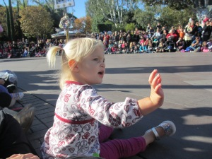 2012-12-19 Parade Wave