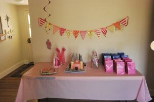 The decorations - complete with goodie bags and castle cake!