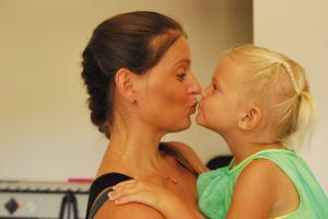 2013-06-22 Mom Selah Kiss